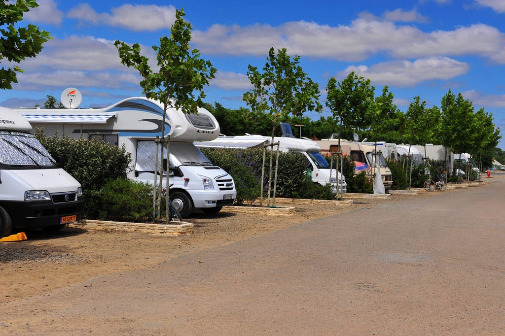 aire de camping cars domaine des guifettes aires de camping car en pays de la loire. Black Bedroom Furniture Sets. Home Design Ideas