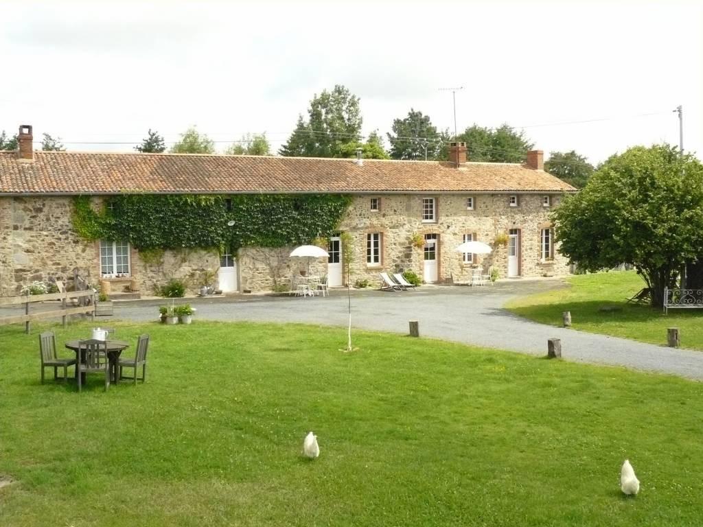 LES GITES DE L ETANG DES NOUES Chambres d H´tes en Pays de la Loire