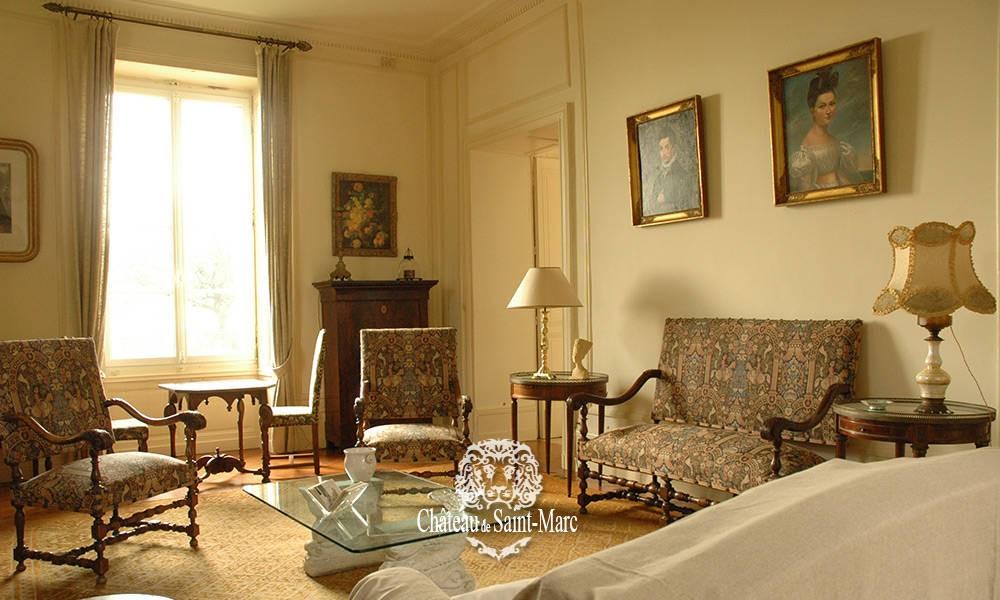 Chambre d 39 hotes au chateau saint marc chambres d 39 h tes for Chambre d hote chateau thierry