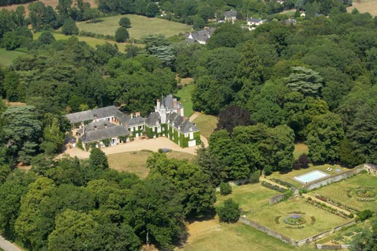 Chambres d 39 hotes au chateau du plessis anjou chambres d 39 h tes en pays de la loire - Chambres d hotes chateau d olonne ...