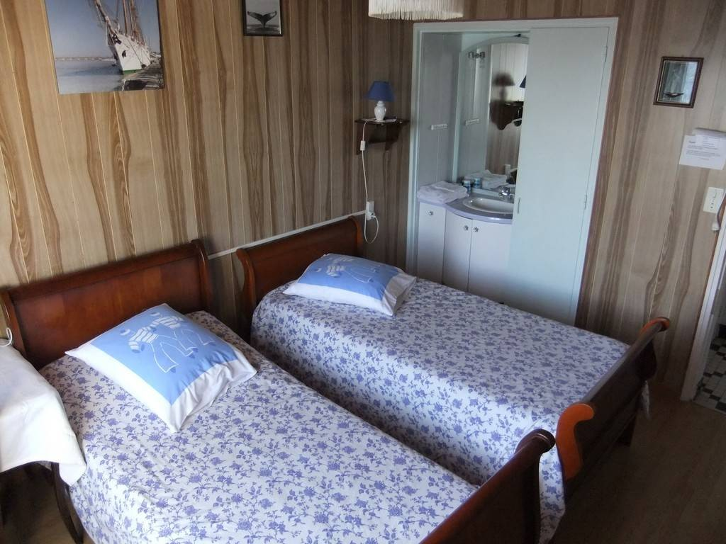 CHAMBRES D HOTES VILLA LES ROSES Chambres d H´tes en Pays de la Loire