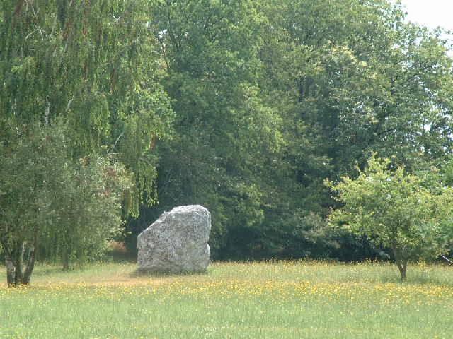 Couleur De Pierre Chalonnes Sur Loire circuit de la pierre folle menhir: a pied france, pays de la