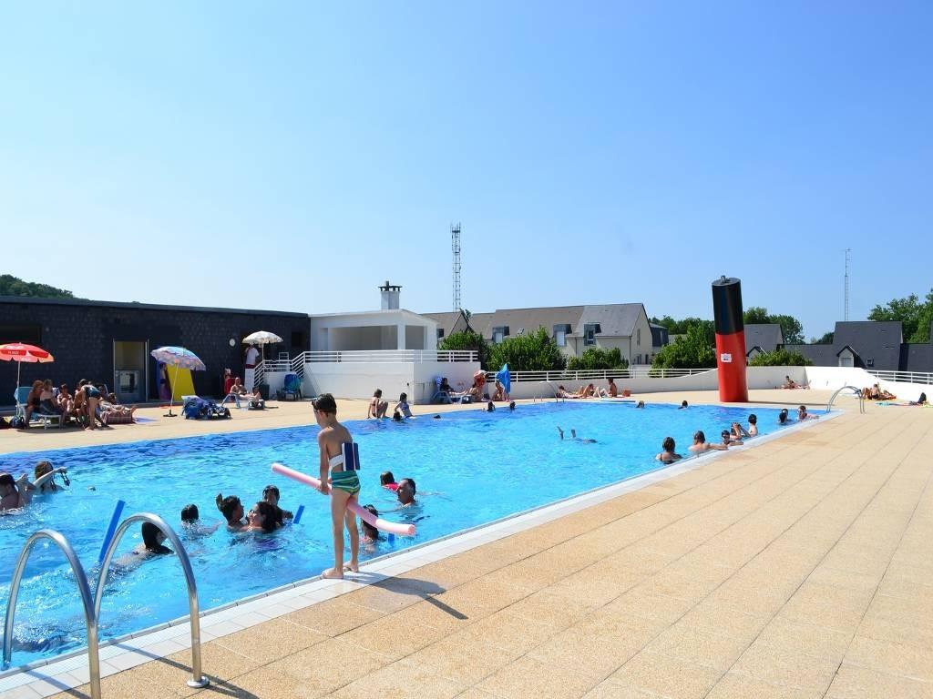 Piscine municipale de la chartre autour de l 39 eau france Temperature eau piscine municipale