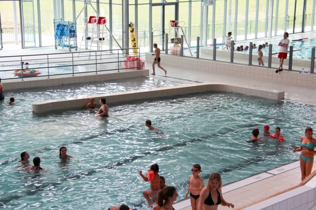 Piscine 39 ardea les bassins autour de l 39 eau en pays de la loire for Bouguenais piscine