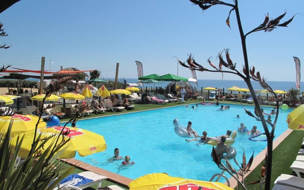 Piscine anguilla beach autour de l 39 eau en pays de la loire for Bouguenais piscine