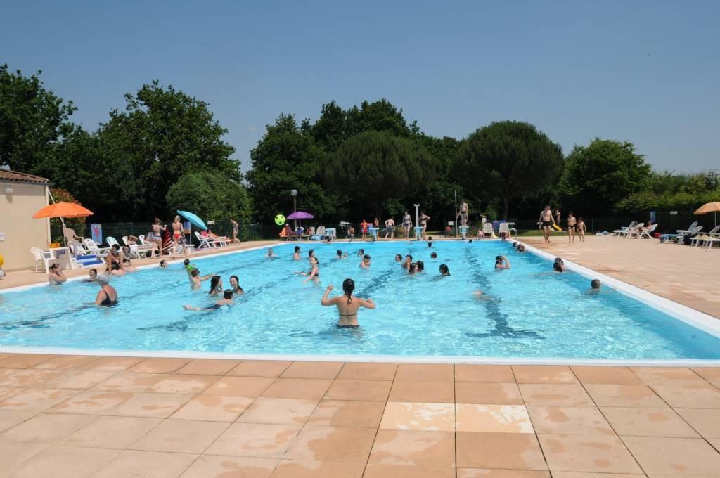 Piscine municipale la breteche autour de l 39 eau france Temperature eau piscine municipale