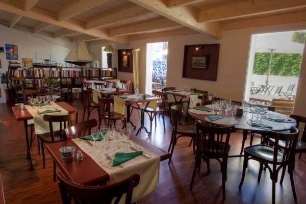 le port baron restaurants en pays de la loire. Black Bedroom Furniture Sets. Home Design Ideas