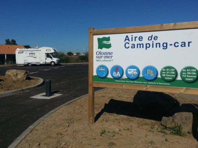 AIRE CAMPING-CARS PORT OLONA