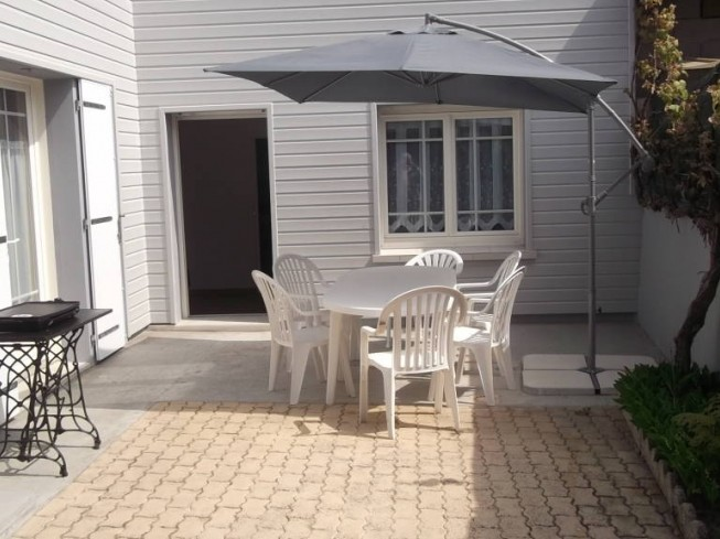 MME PLISSONNEAU - APPARTEMENT 6 PERSONNES CENTRE-VILLE