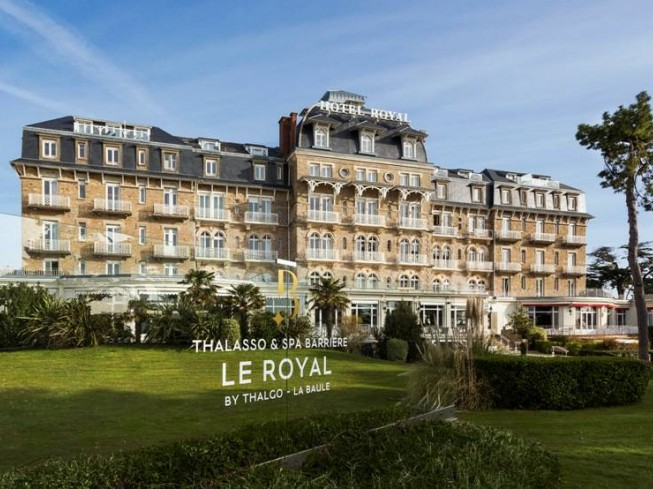 HOTEL BARRIERE LE ROYAL