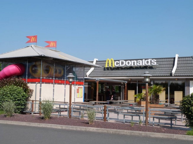 RESTAURANT  MAC DONALD'S