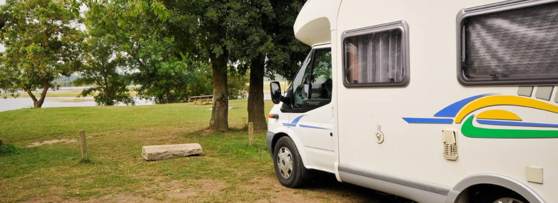 Aire de camping car du port maillard aires de camping car - Aire de stationnement camping car port la nouvelle ...