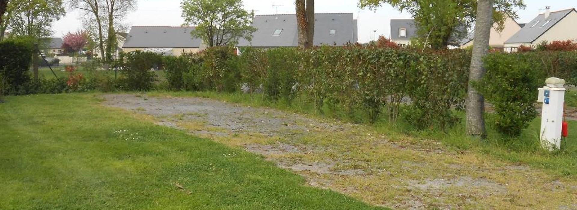 aire au camping de vern d 39 anjou aires de camping car en pays de la loire. Black Bedroom Furniture Sets. Home Design Ideas