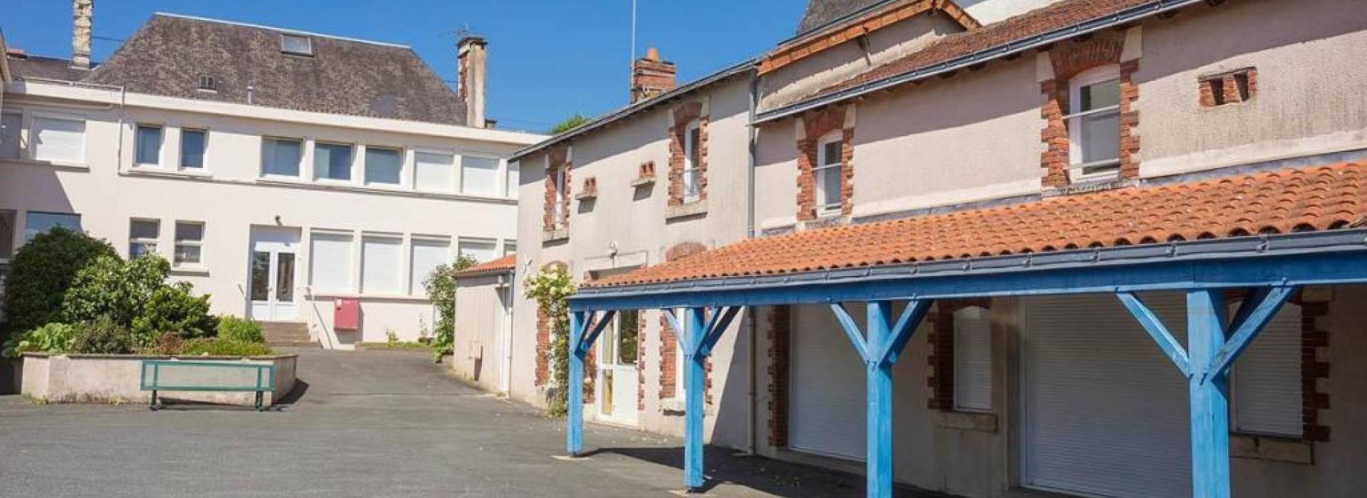 Maison Familiale Rurale De Chantonnay Hebergements Collectifs France Pays De La Loire
