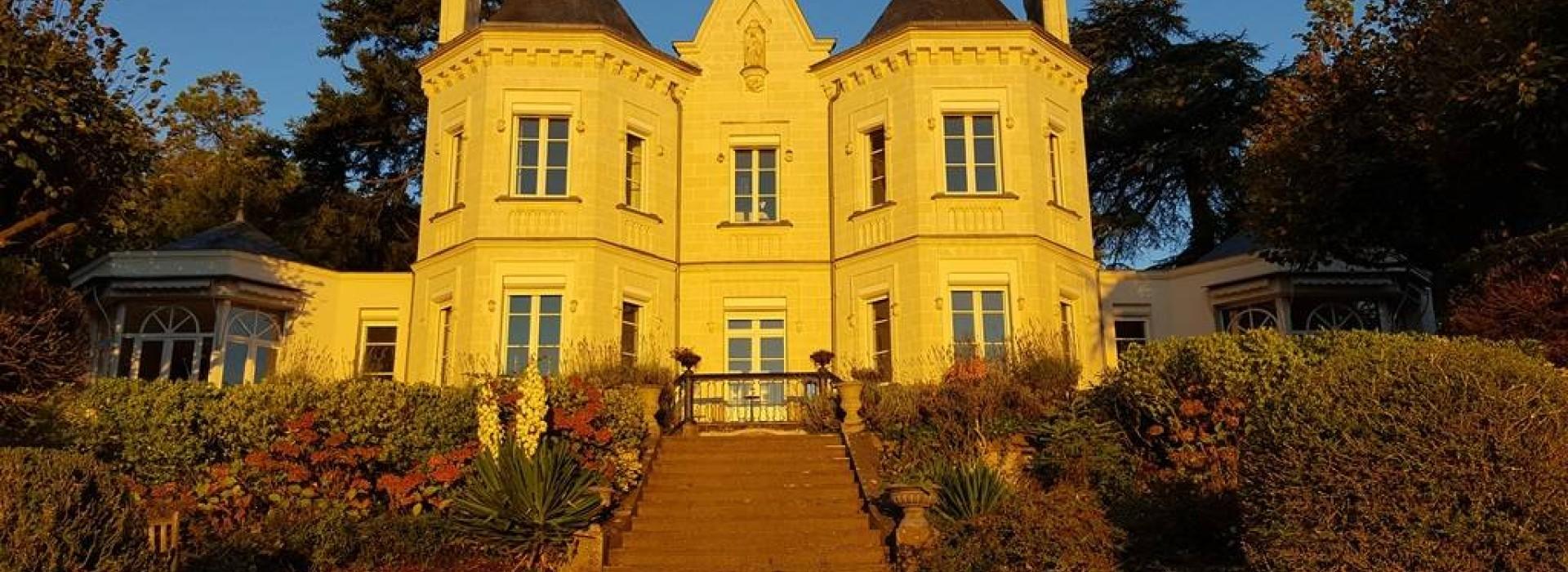 Chambres d 39 hotes villa belle couronne chambres d 39 h tes en for Chambre d hote xanton chassenon
