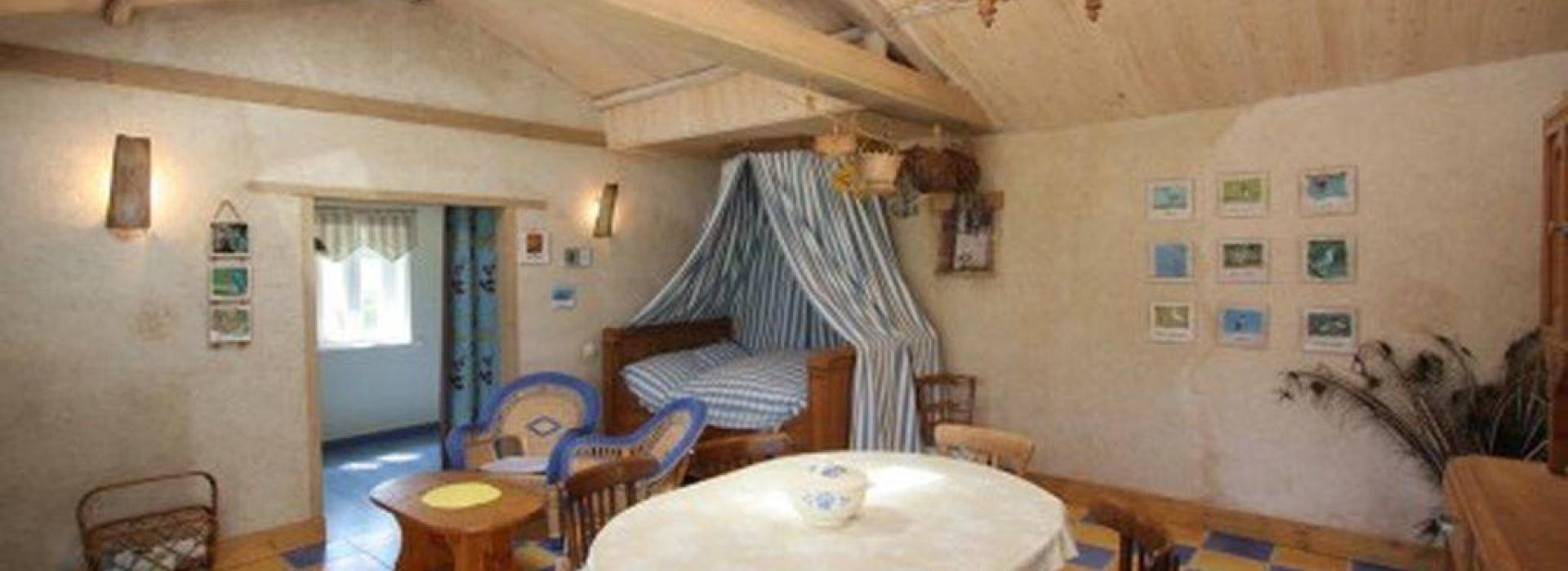 meuble martin pecheur g tes et locations de meubl s en pays de la loire. Black Bedroom Furniture Sets. Home Design Ideas