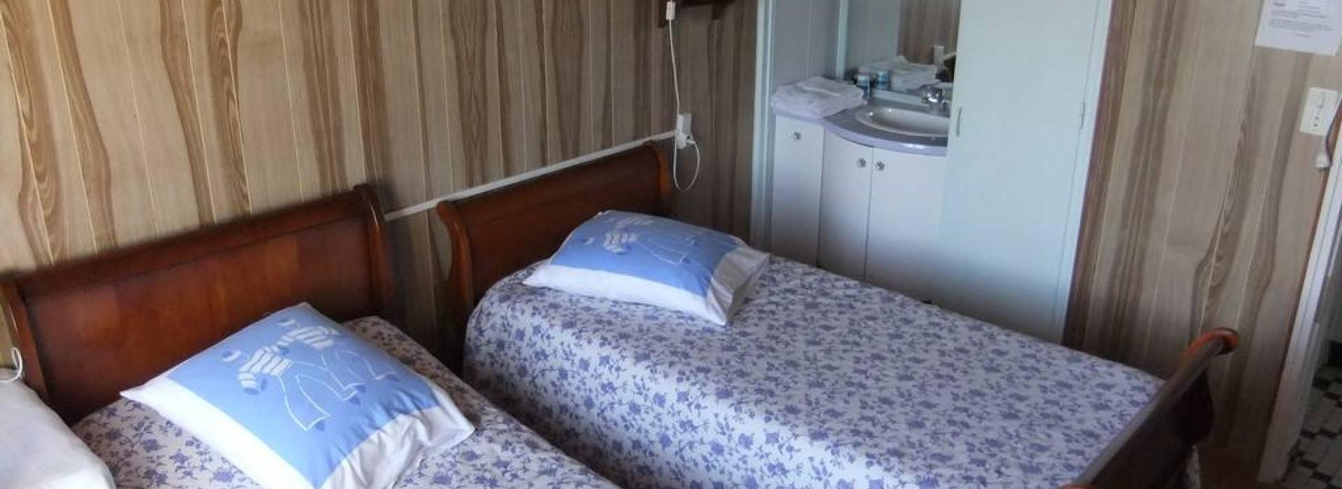 Chambres d 39 hotes villa les roses chambres d 39 h tes en pays de la loire - Chambre d hotes le poteau rose ...