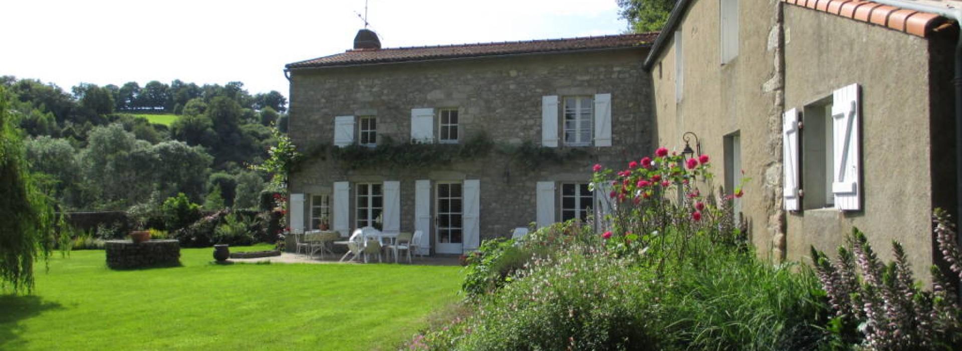 A L Escale Des Deux Eaux Puy Du Fou Chambre Source Chambres D