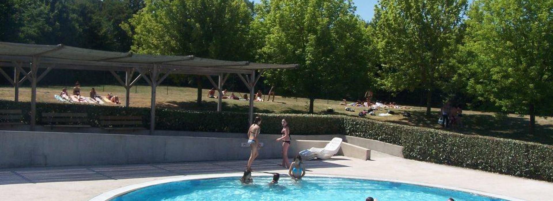 Piscine ludique autour de l 39 eau en pays de la loire - L eau de ma piscine est trouble ...