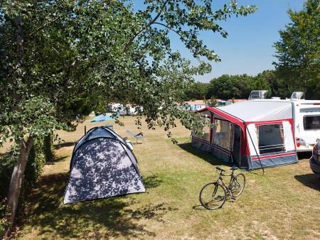 aire de camping cars camping castel la garangeoire aires de camping car en pays de la loire. Black Bedroom Furniture Sets. Home Design Ideas