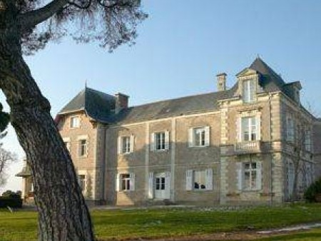 CHAMBRES D'HOTES CHATEAU PIEGUE