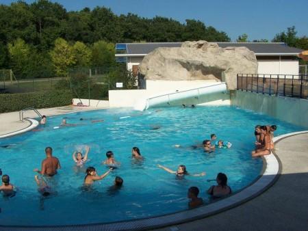 piscine ludique autour de l 39 eau en pays de la loire. Black Bedroom Furniture Sets. Home Design Ideas