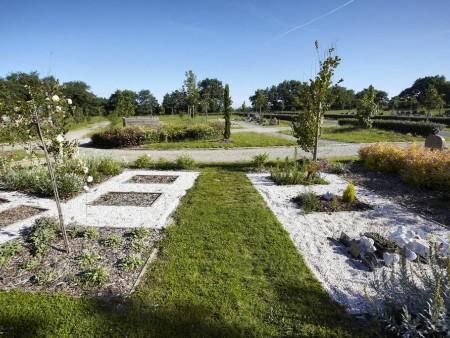 cimetiere de la peronniere parcs et jardins en pays de la loire. Black Bedroom Furniture Sets. Home Design Ideas