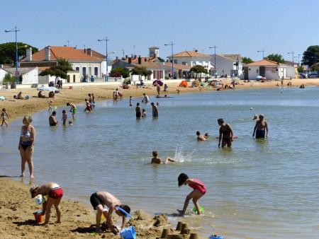 Aire de baignade plan d 39 eau de saint viaud autour de la - Office de tourisme de l aiguillon sur mer ...